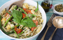 Tony's Sundried Tomato & Asparagus Pasta with Pesto