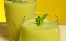 Anti-aging Avocado, Tomato & Coriander Smoothie