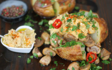 Baked Potato with assorted fillings, Convenience-style