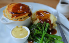 Vegan 'Steak' & Ale Pie