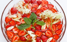 Strawberry, Elderflower & Lemongrass Punch
