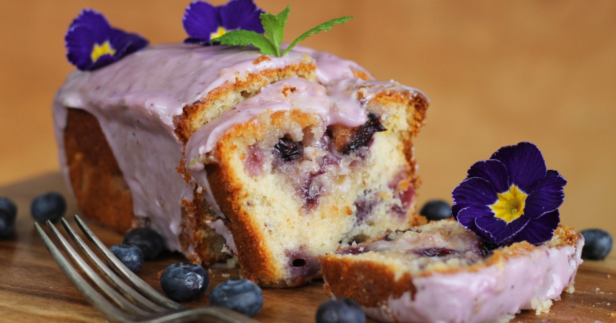 Blueberry and lemon drizzle cake