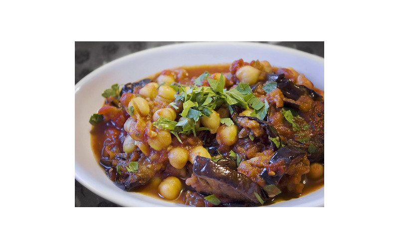 Aubergine, Tomato & Chickpea Stew with Quick Quinoa Pilaf for Caterers