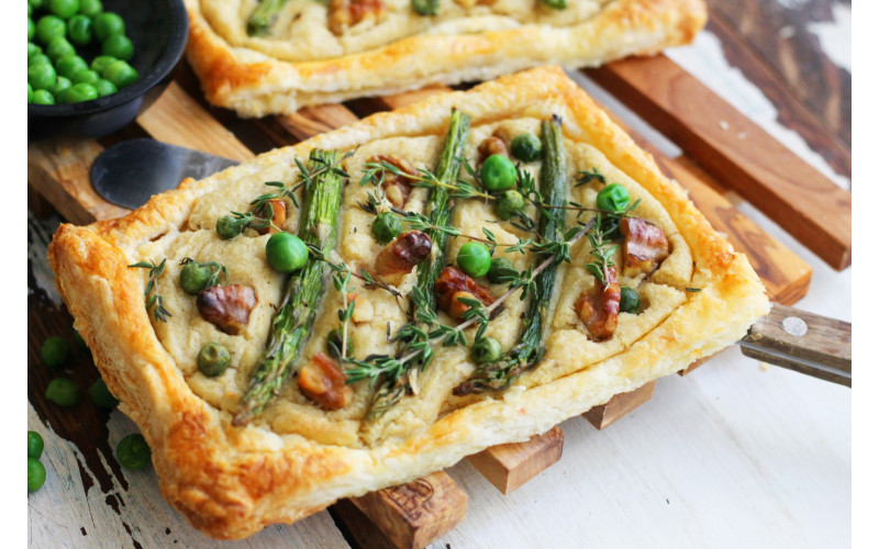 Easy Summer Tart with Asparagus, Peas and White Bean Hummus