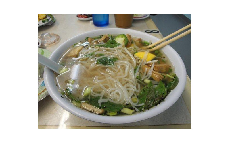 Aromatic Indonesian Vegetable & Noodle Soup
