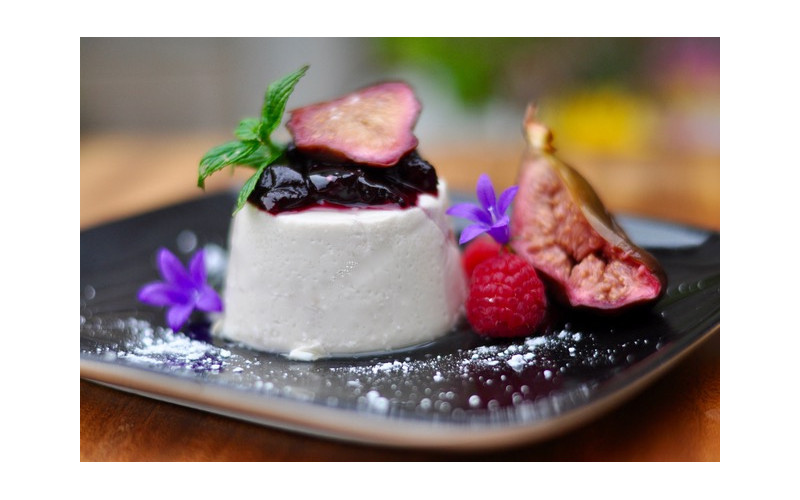 Lavender Panna Cotta with Caramelised Cinnamon Figs