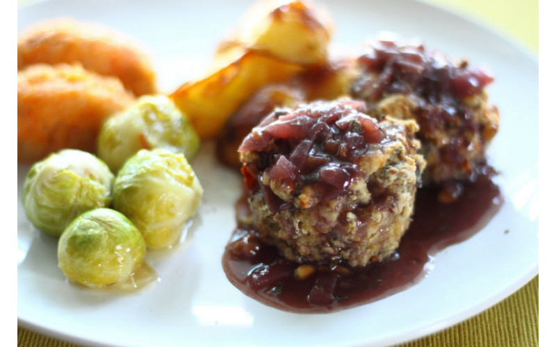 Caramelised Red Onion & Wine Reduction