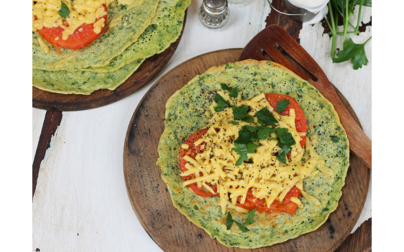 Savoury Pancakes with Spinach Batter and Tomatoes