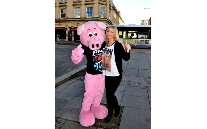 Anneka and Piggles at bristol show Nov 14