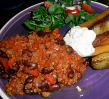 Cooking with Vegusto Products: Veggie Mince and Classic Burger