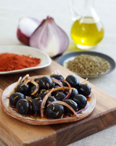 Spanish olives with vegan cheese marinated in olive oil