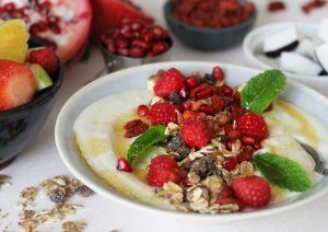 Fresh Fruit Salad & Yoghurt