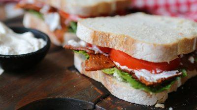 A delicious BLT sandwich