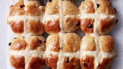 Hot Cross Buns With Marmalade Glaze